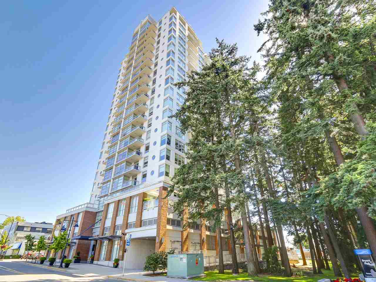 "Main Photo: 907 15152 RUSSELL Avenue: White Rock Condo for sale in ""Miramar Village"" (South Surrey White Rock)  : MLS® # R2198890"