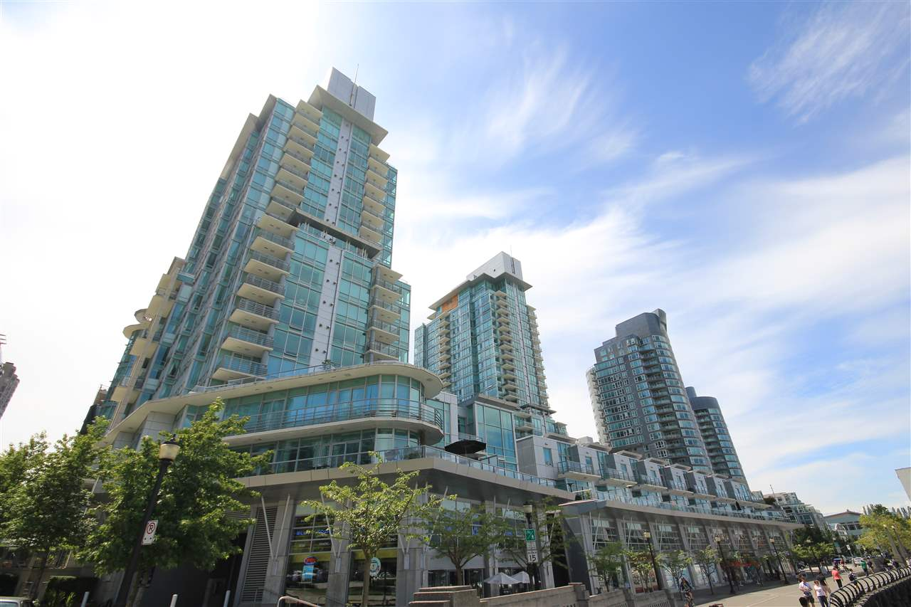 "Photo 2: 807 590 NICOLA Street in Vancouver: Coal Harbour Condo for sale in ""Cascina"" (Vancouver West)  : MLS® # R2204116"