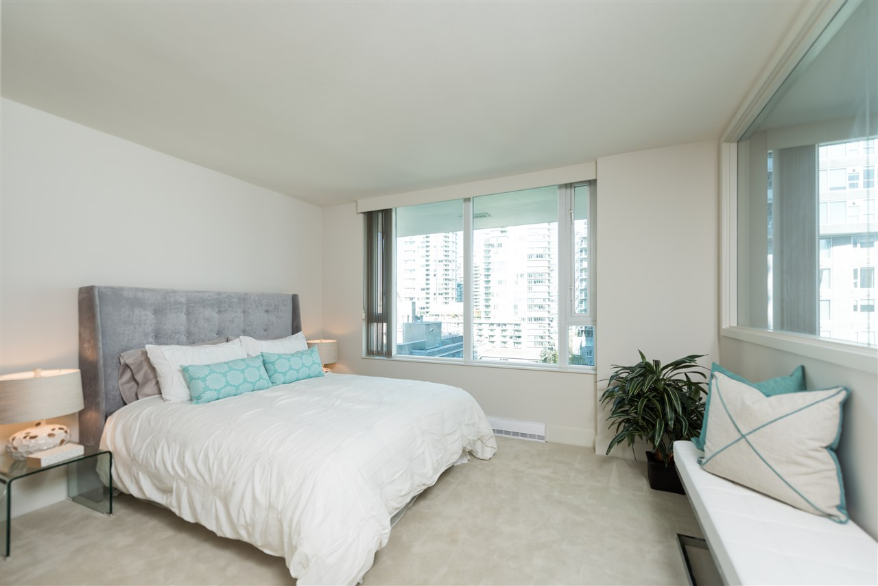"Photo 13: 807 590 NICOLA Street in Vancouver: Coal Harbour Condo for sale in ""Cascina"" (Vancouver West)  : MLS® # R2204116"