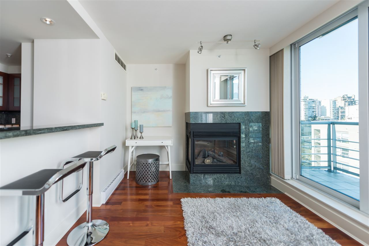 "Photo 7: 807 590 NICOLA Street in Vancouver: Coal Harbour Condo for sale in ""Cascina"" (Vancouver West)  : MLS® # R2204116"