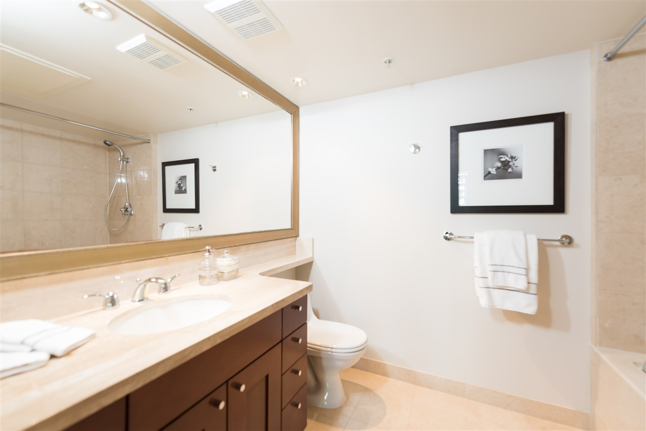 "Photo 11: 807 590 NICOLA Street in Vancouver: Coal Harbour Condo for sale in ""Cascina"" (Vancouver West)  : MLS® # R2204116"