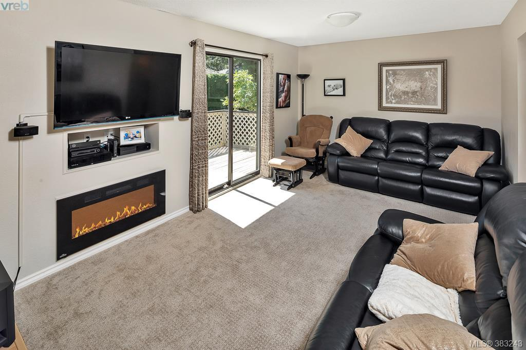 Main Photo: 957 Maddison Street in VICTORIA: Vi Fairfield East Single Family Detached for sale (Victoria)  : MLS® # 383243