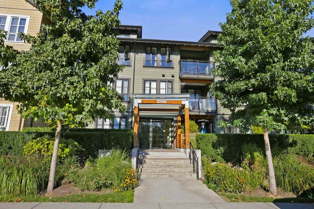 "Main Photo: 305 23285 BILLY BROWN Road in Langley: Fort Langley Condo for sale in ""The Village at Bedford Landing"" : MLS® # R2211106"