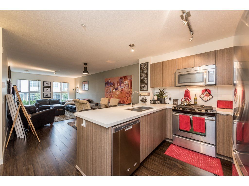 "Photo 3: Photos: 206 3323 151 Street in Surrey: Morgan Creek Condo for sale in ""Kingston House"" (South Surrey White Rock)  : MLS® # R2219100"