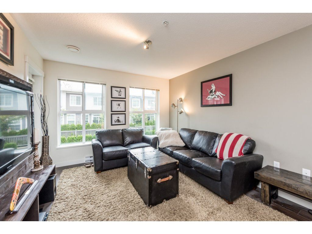 "Photo 10: Photos: 206 3323 151 Street in Surrey: Morgan Creek Condo for sale in ""Kingston House"" (South Surrey White Rock)  : MLS® # R2219100"