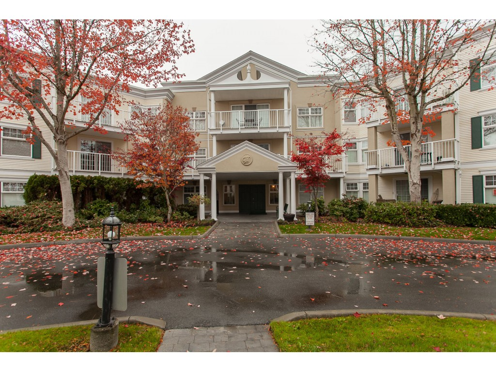 "Main Photo: 305 16085 83 Avenue in Surrey: Fleetwood Tynehead Condo for sale in ""Fairfield House"" : MLS® # R2220856"