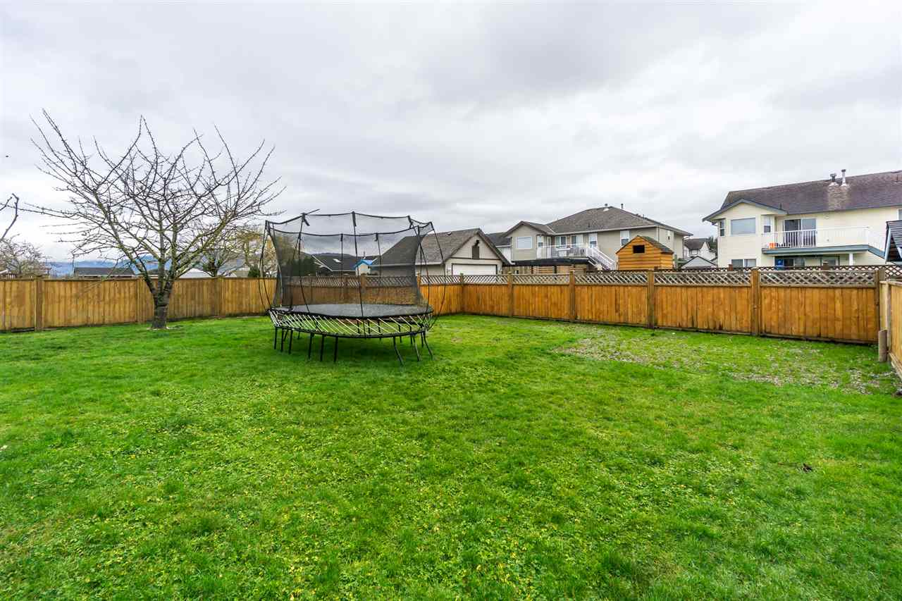 "Photo 20: Photos: 34728 5TH Avenue in Abbotsford: Poplar House for sale in ""HUNTINGDON VILLAGE"" : MLS® # R2237863"