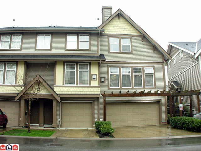 Photo 2: 11 6588 188th Street in Surrey: Cloverdale BC Townhouse for sale (Cloverdale)  : MLS® # F1208447