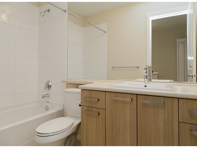 "Photo 12: 3 14838 61ST Avenue in Surrey: Sullivan Station Townhouse for sale in ""SEQUOIA"" : MLS(r) # F1415294"