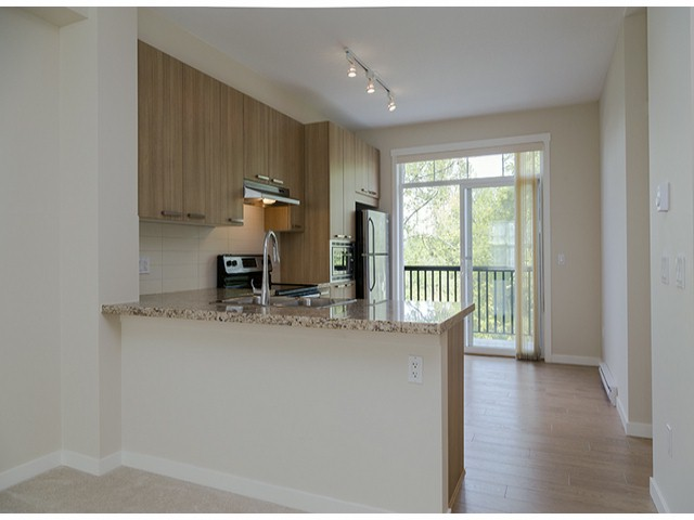 "Photo 4: 3 14838 61ST Avenue in Surrey: Sullivan Station Townhouse for sale in ""SEQUOIA"" : MLS(r) # F1415294"
