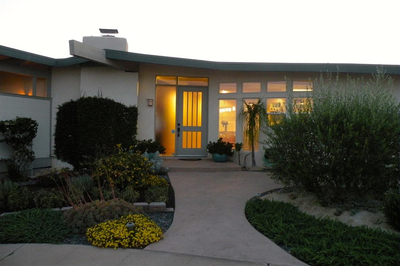 Main Photo: POINT LOMA House for sale : 3 bedrooms : 1560 Plum St in San Diego