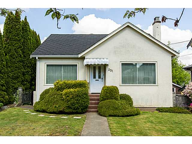 "Main Photo: 251 OSBORNE Avenue in New Westminster: GlenBrooke North House for sale in ""GLENBROOOKE"" : MLS(r) # V1135423"