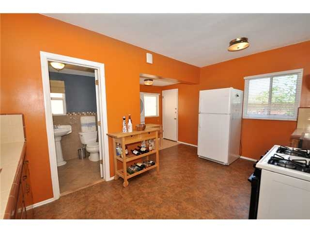 Photo 4: UNIVERSITY HEIGHTS House for rent : 2 bedrooms : 4390 Hamilton St in San Diego