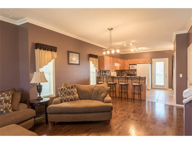 Photo 6: 301 2006 LUXSTONE Boulevard SW: Airdrie House  : MLS® # C4034048