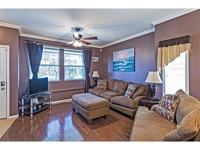 Photo 3: 301 2006 LUXSTONE Boulevard SW: Airdrie House  : MLS® # C4034048