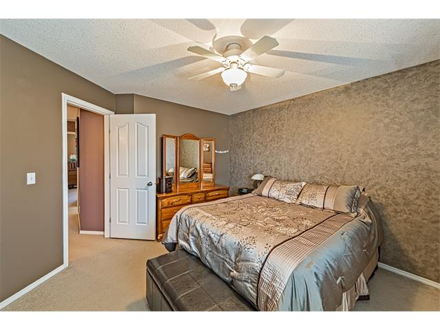 Photo 17: 301 2006 LUXSTONE Boulevard SW: Airdrie House  : MLS® # C4034048