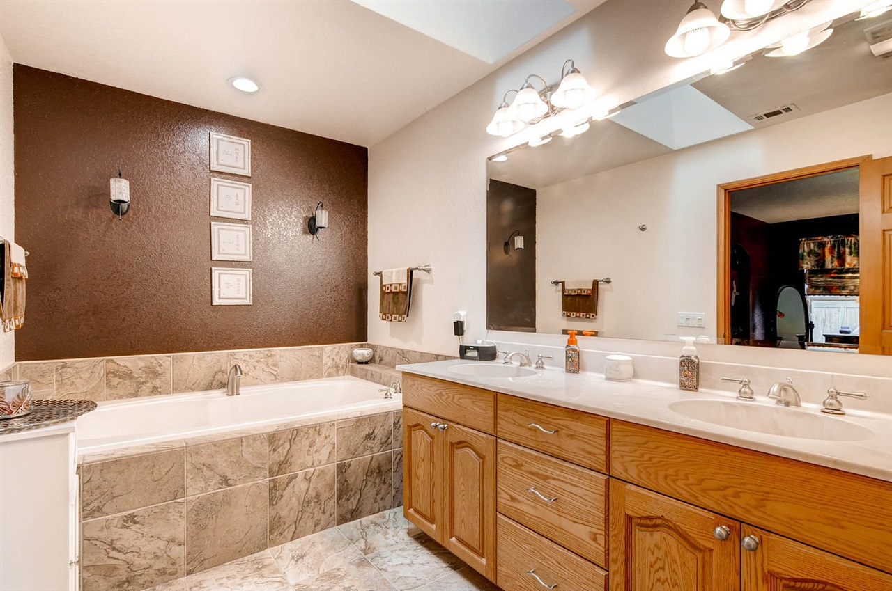 Photo 14: MIRA MESA House for sale : 4 bedrooms : 11218 Bralorne in San Diego