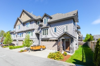 "Main Photo: 9 46083 AIRPORT Road in Chilliwack: Chilliwack E Young-Yale Townhouse for sale in ""Graystone Arbor"" : MLS®# R2096489"