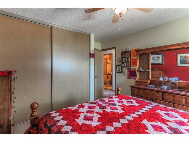 Photo 15: 3379 CATALINA Boulevard NE in Calgary: Monterey Park House for sale : MLS® # C4076887