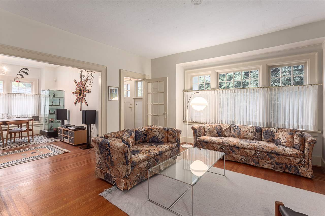Photo 4: 5638 MACKENZIE Street in Vancouver: Kerrisdale House for sale (Vancouver West)  : MLS(r) # R2117466