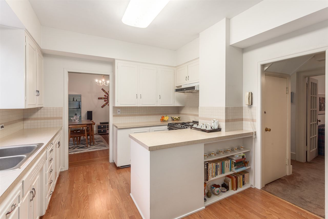 Photo 7: 5638 MACKENZIE Street in Vancouver: Kerrisdale House for sale (Vancouver West)  : MLS(r) # R2117466
