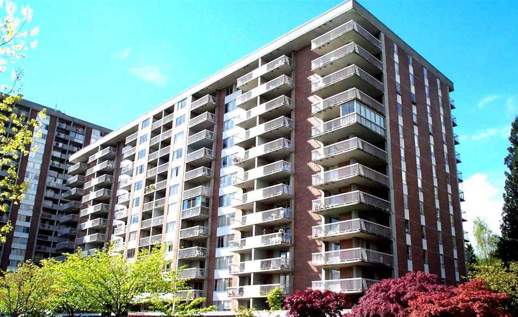 Main Photo: 813 2012 FULLERTON Avenue in North Vancouver: Pemberton NV Condo for sale : MLS®# R2134081