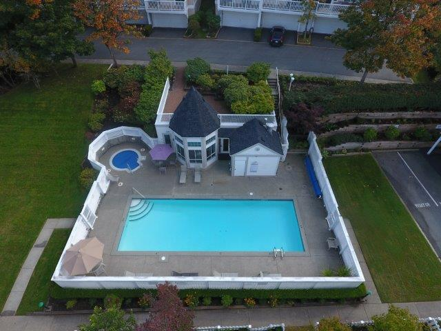 Outdoor Pool/Hot Tub/Fitness Centre (Aerial View)