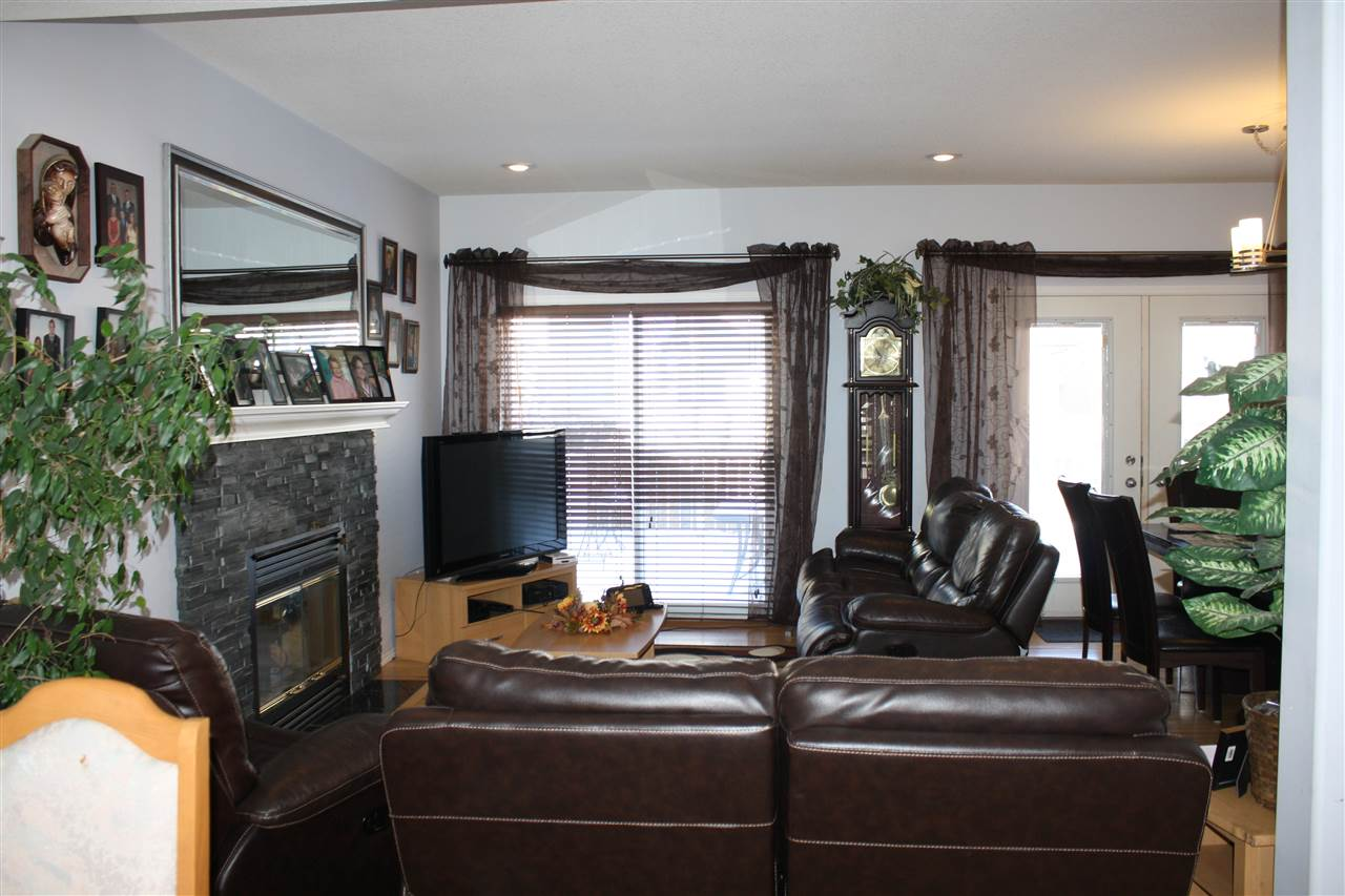 Photo 8: 13504 161 Avenue NW in Edmonton: Zone 27 House for sale : MLS® # E4053518