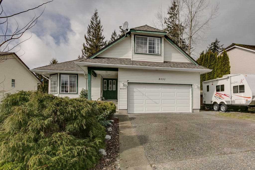 Main Photo: 8131 CARIBOU Street in Mission: Mission BC House for sale : MLS®# R2144198