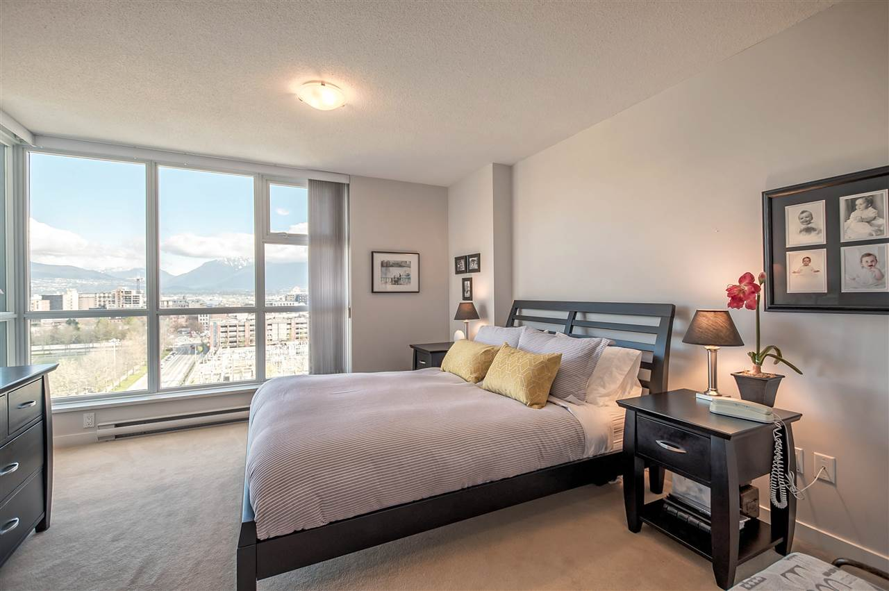 "Photo 11: 1206 125 MILROSS Avenue in Vancouver: Mount Pleasant VE Condo for sale in ""CREEKSIDE"" (Vancouver East)  : MLS® # R2159245"