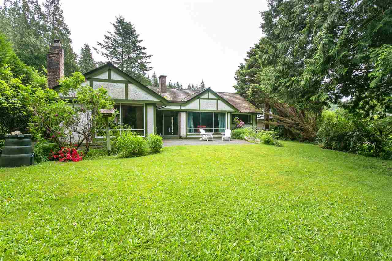 Main Photo: 5733 CRANLEY Drive in West Vancouver: Eagle Harbour House for sale : MLS® # R2173714