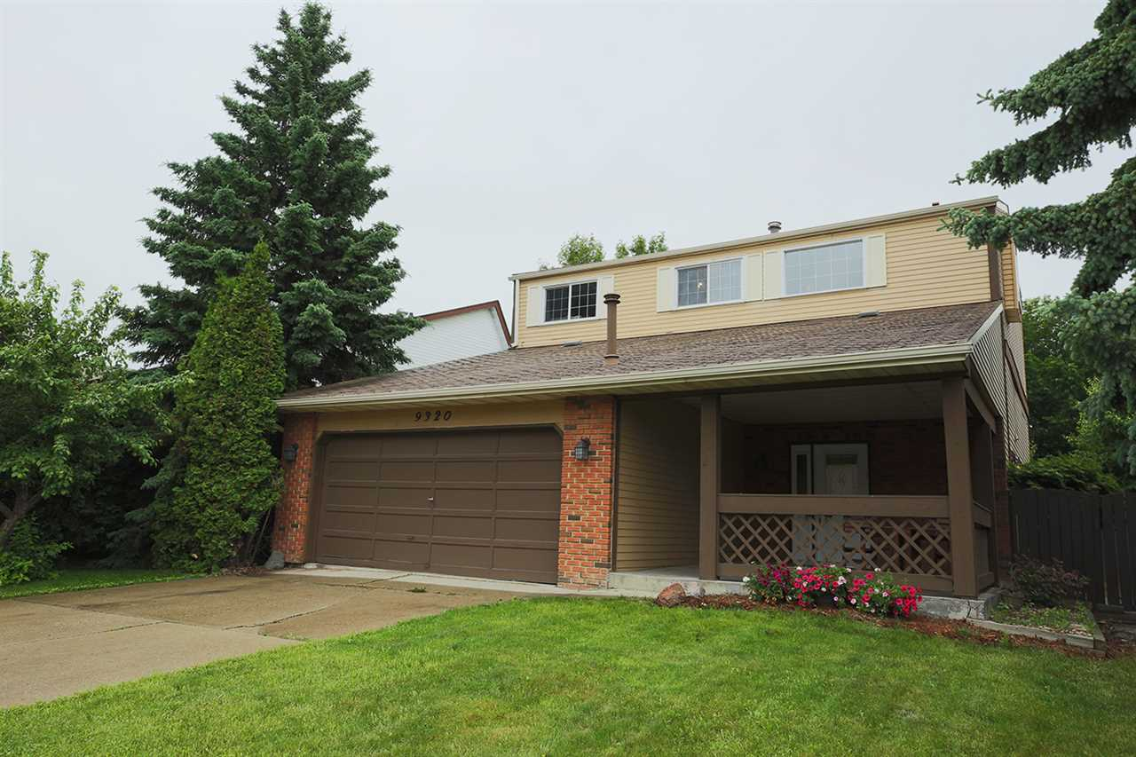Main Photo: 9320 173 Street in Edmonton: Zone 20 House for sale : MLS(r) # E4069341