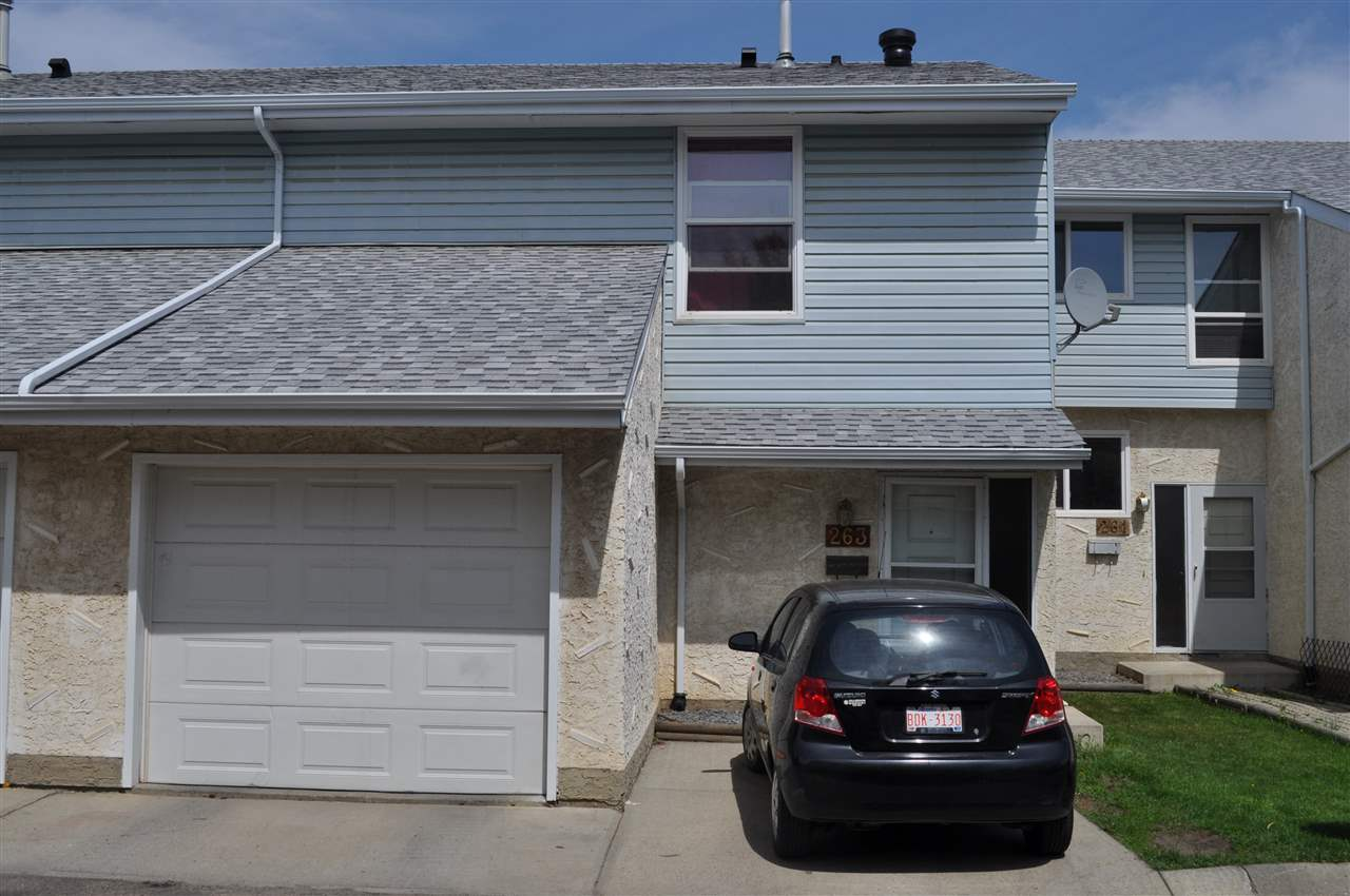 Main Photo: 263 CALLINGWOOD Place in Edmonton: Zone 20 Townhouse for sale : MLS(r) # E4070665