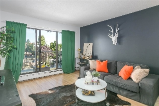 "Main Photo: 309 288 E 14TH Avenue in Vancouver: Mount Pleasant VE Condo for sale in ""VILLA SOPHIA"" (Vancouver East)  : MLS® # R2206679"