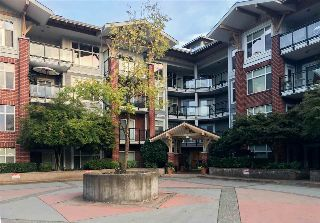 "Main Photo: 110 11950 HARRIS Road in Pitt Meadows: Central Meadows Condo for sale in ""ORIGIN"" : MLS® # R2213542"