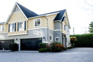 "Main Photo: 30 7171 STEVESTON Highway in Richmond: Broadmoor Townhouse for sale in ""CASSIS"" : MLS® # R2223227"