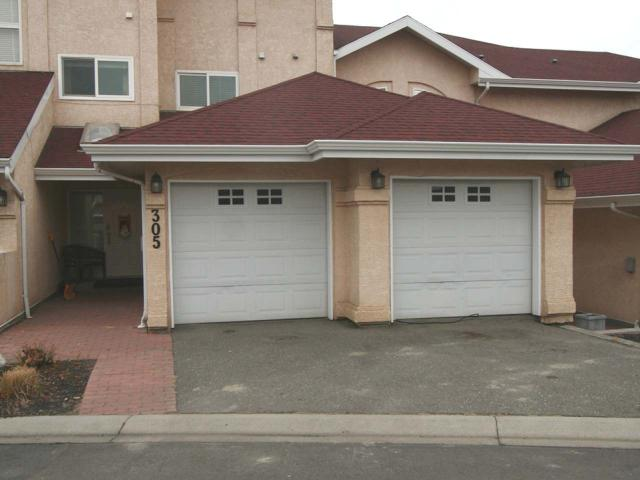 Main Photo: 305 15 HUDSONS BAY Trail in : South Kamloops Townhouse for sale (Kamloops)  : MLS® # 143672