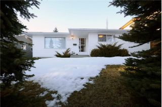 Main Photo: 2732 CANNON Road NW in Calgary: Charleswood House for sale : MLS® # C4162729