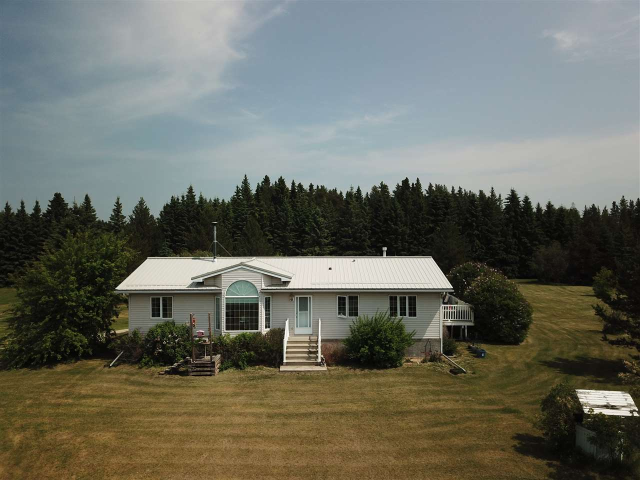 Main Photo: 14 53026 HWY 31 Highway: Rural Parkland County House for sale : MLS®# E4095747