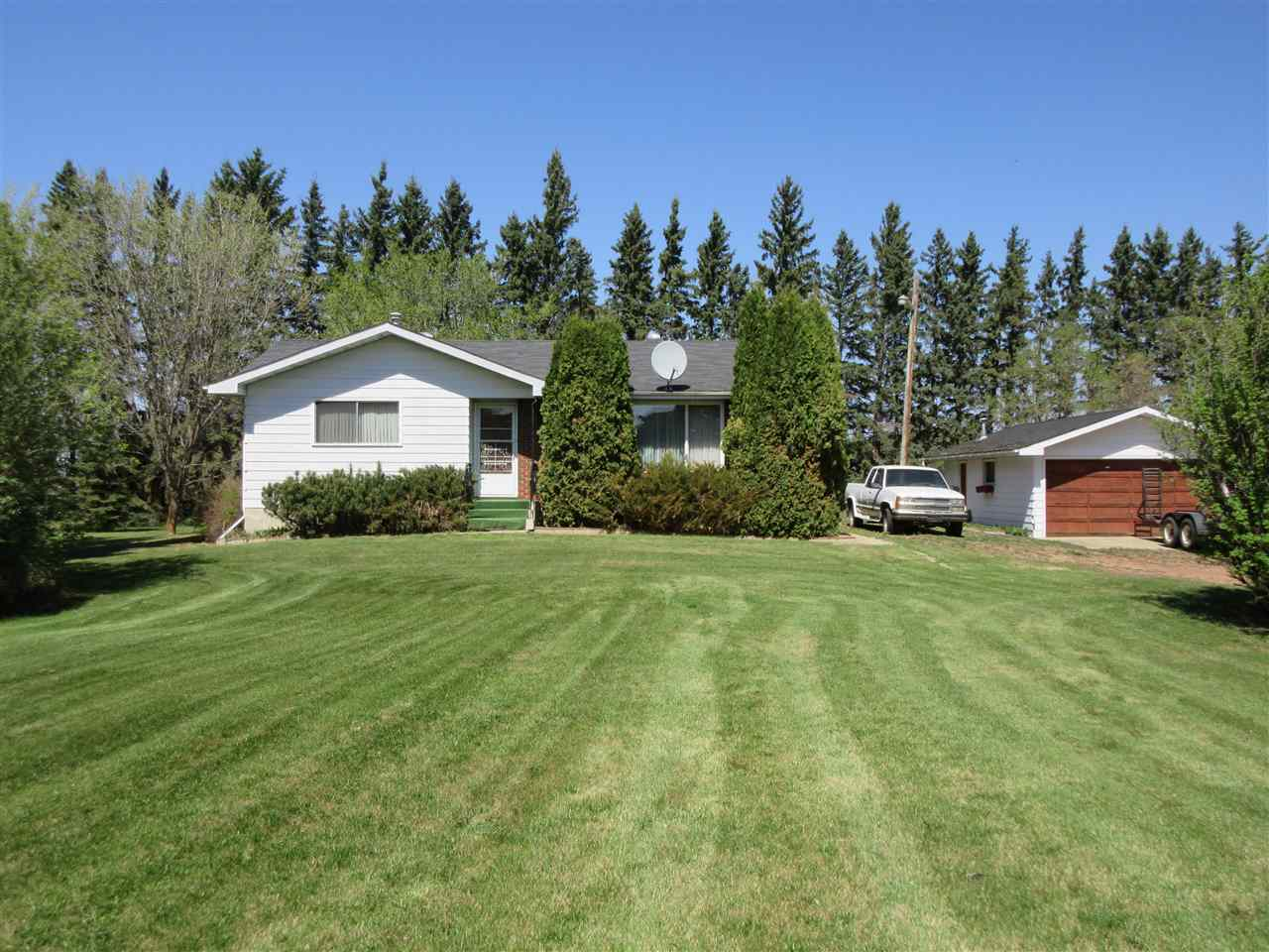 Main Photo: 24032 Highway 37: Rural Sturgeon County House for sale : MLS®# E4111346