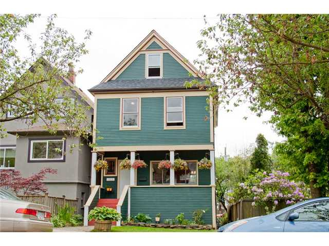 Main Photo: 1980 CHARLES Street in Vancouver: Grandview VE House for sale (Vancouver East)  : MLS®# V894322