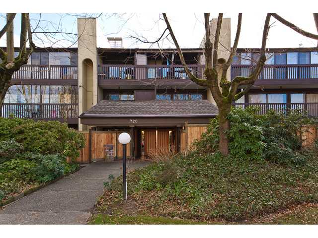"Main Photo: 202 720 8TH Avenue in New Westminster: Uptown NW Condo for sale in ""SAN SEBASTIAN"" : MLS®# V924982"