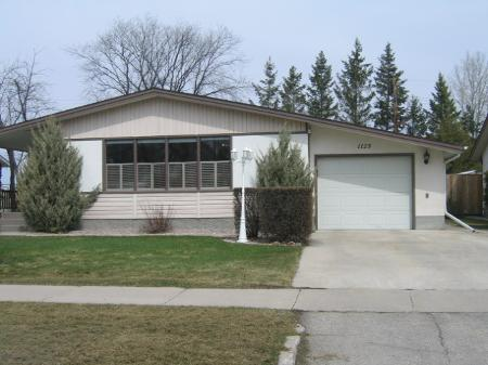 Main Photo: 1125 Betournay St.: Residential for sale (Windsor Park)  : MLS(r) # 2806265