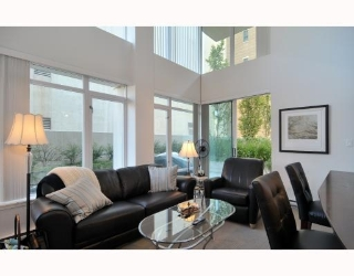 Main Photo: 424 610 Granville Street in Vancouver: Downtown VW Condo for sale ()