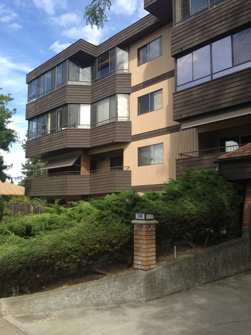 Main Photo: #203 - 740 Winnipeg Street in Penticton: Main North Multifamily for sale : MLS(r) # 145233