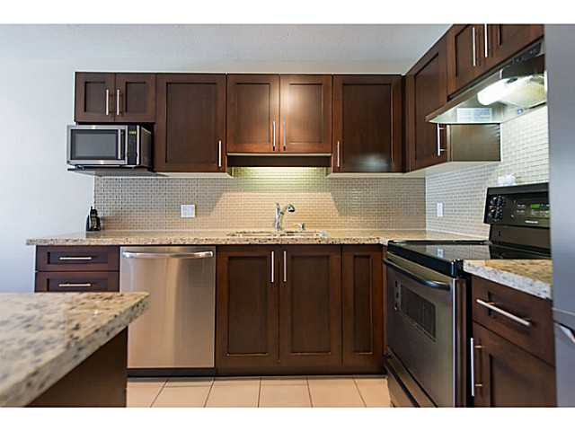 "Photo 13: 306 833 W 16TH Avenue in Vancouver: Fairview VW Condo for sale in ""The Emerald"" (Vancouver West)  : MLS® # V1063181"