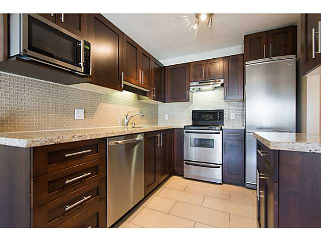 "Photo 10: 306 833 W 16TH Avenue in Vancouver: Fairview VW Condo for sale in ""The Emerald"" (Vancouver West)  : MLS® # V1063181"