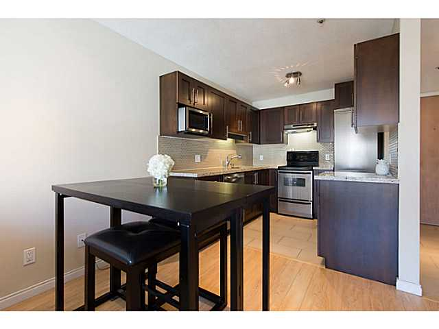 "Photo 9: 306 833 W 16TH Avenue in Vancouver: Fairview VW Condo for sale in ""The Emerald"" (Vancouver West)  : MLS® # V1063181"