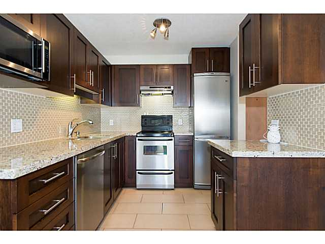 "Photo 11: 306 833 W 16TH Avenue in Vancouver: Fairview VW Condo for sale in ""The Emerald"" (Vancouver West)  : MLS® # V1063181"