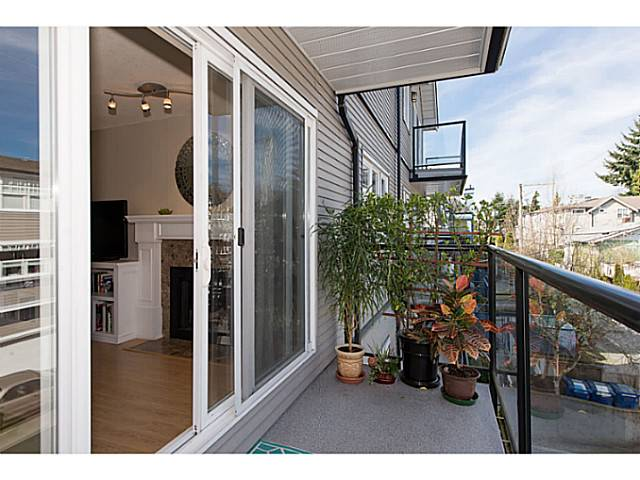 "Photo 4: 306 833 W 16TH Avenue in Vancouver: Fairview VW Condo for sale in ""The Emerald"" (Vancouver West)  : MLS® # V1063181"